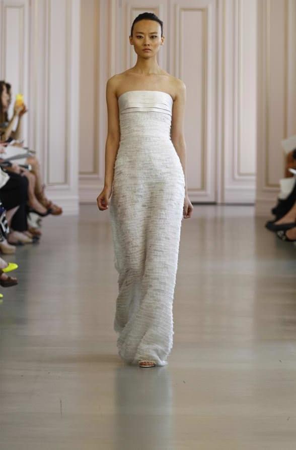 cc76743619c2da Прості і елегантні весільні плаття 2015-2016 Oscar de la Renta