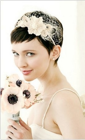 Весільні зачіски для довгого і
